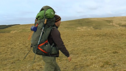 how to choose a backpack for camping