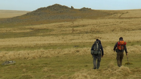 Hiking on Dartmoor, Trowlesworthy Tors, Summit or Nothing