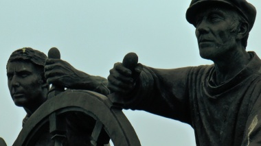 sailor statue, one of the sites of the Kingswear to Brixham Coast Walk